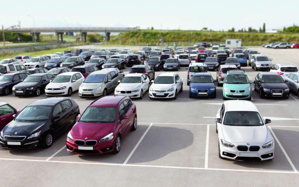 parking firmowych samochodów do wynajęcia długoterminowo